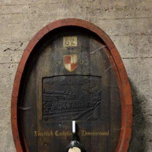 Weinfass im Weingut Castell