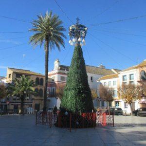 Ein typisch spanischer Weihnachtsbaum in Carmona