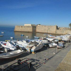 Ein Teil der Hafenpromenade von Cádiz