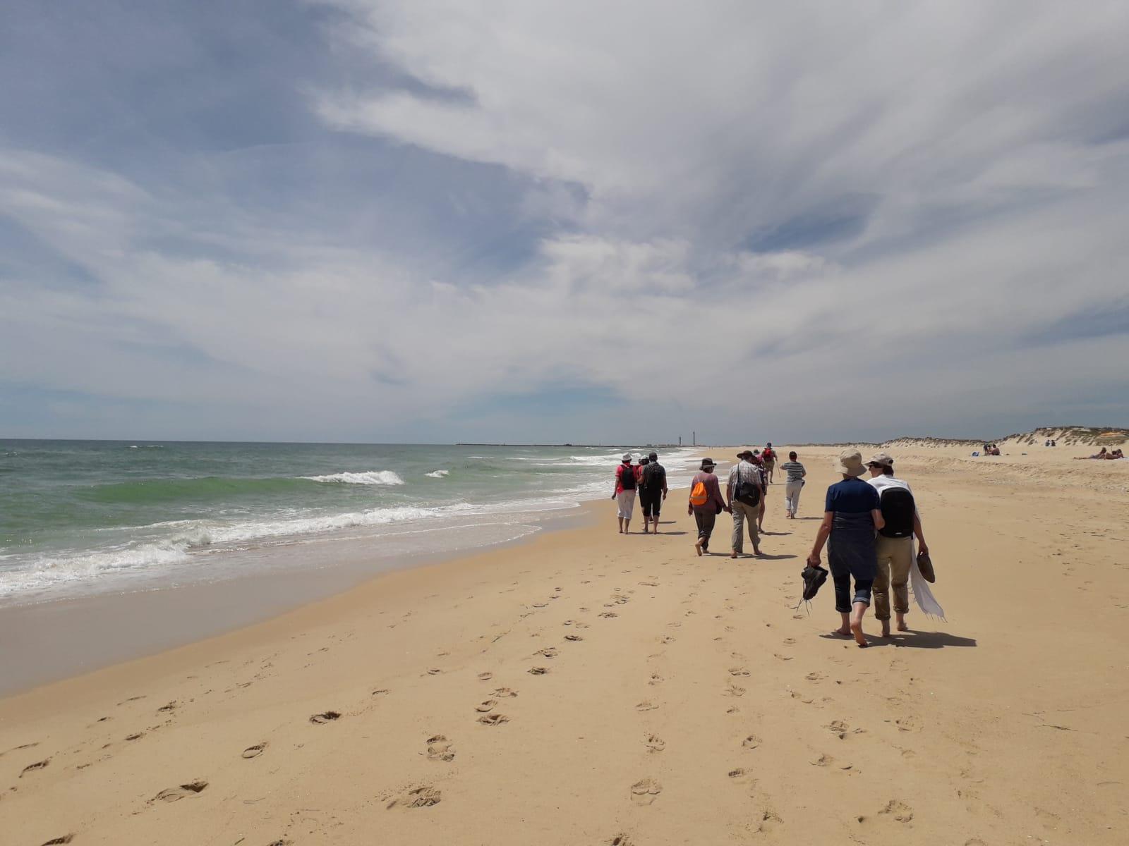 tour de sens auf einer Strandwanderung in der Algarve