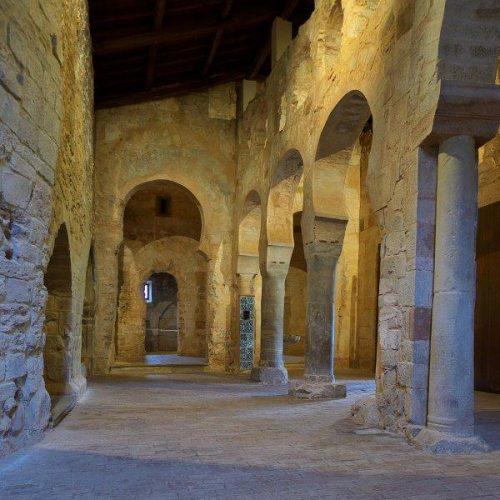 Das romanische Kloster Suso von Innen