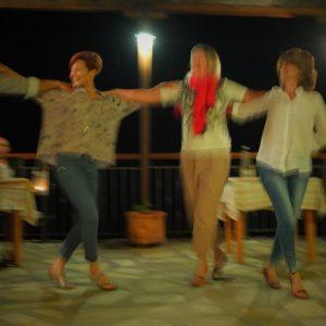 Griechische Nacht. Unsere Gastgeber tanzen.