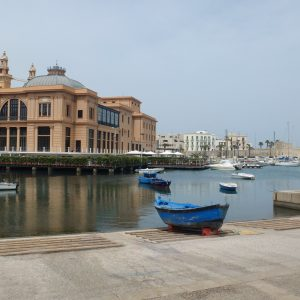 Theater Margherita, direkt am Wasser