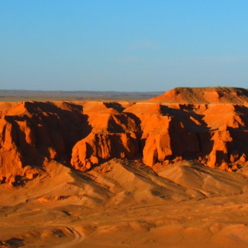 Die flammenden Felsen in der mongolischen Wüste Gobi