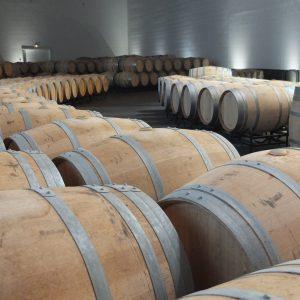 Rioja-Eichenfässer in einer Bodega