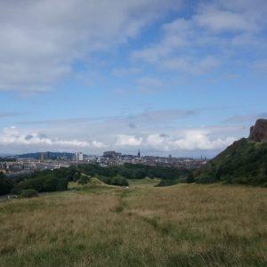 Edinburgh gesehen vom Holyrood Park