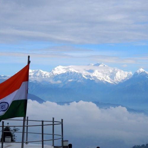 Am Fuße des höchsten, indischen Berges
