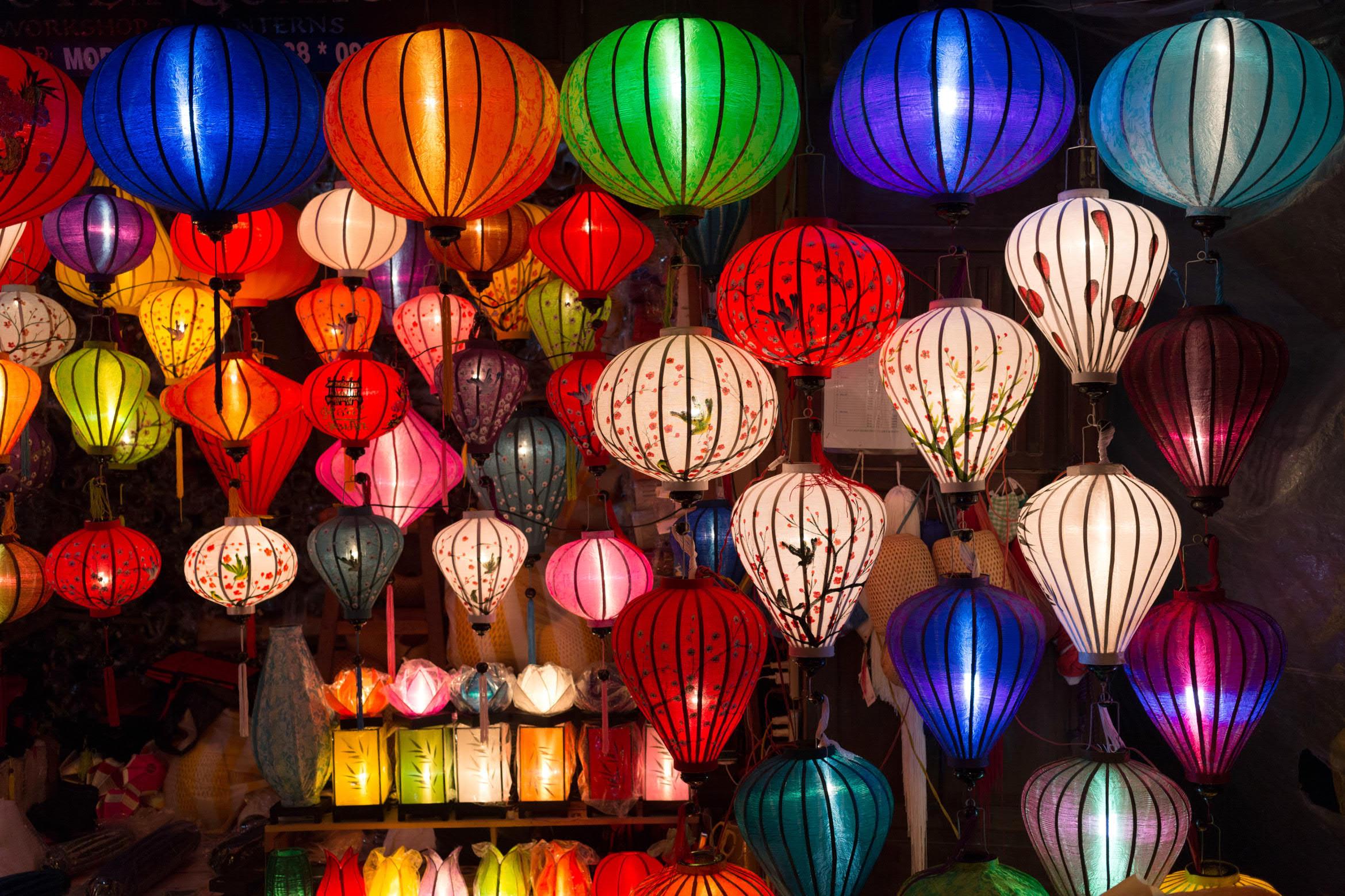 Vietnam: Per Boot, Zug und Bus nach Hanoi, Hoi An und zu den schönsten Naturwundern inklusive Langstrecken- und Inlandsflug