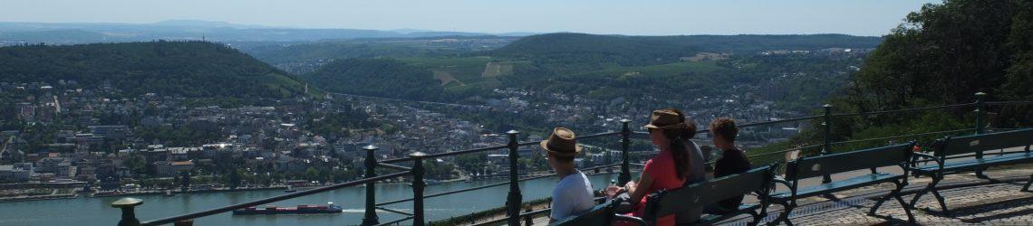 Aussichtspunkt am Niederwalddenkmal oberhalb des Rheins