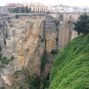 Der Felsabgrund in der Altstadt von Ronda