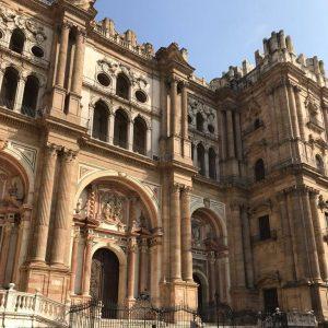 Die beeindruckende Renaissance-Fassade der Kathedrale von Málaga