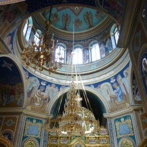 Innenraum und Kuppel einer orthodoxen Kirche in Chisinau