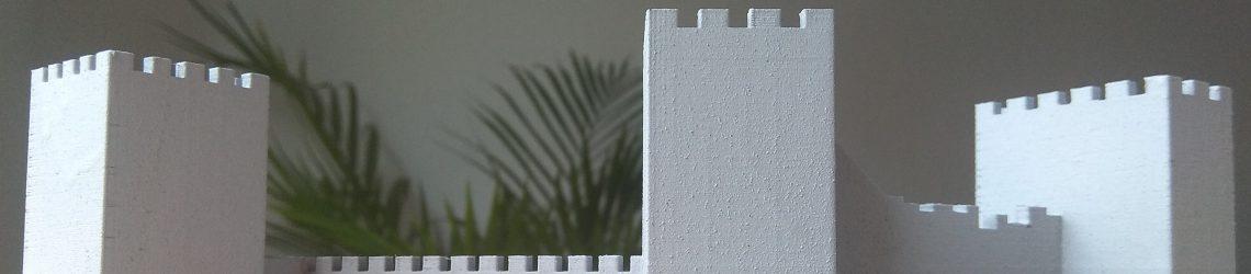 Modell eines Schlosses mit drei Türmen